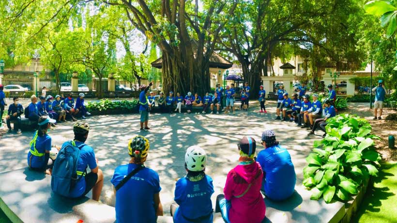 Large_group_on_scooter_tour