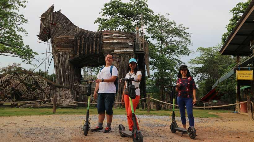 Bang-Kachao-wooden-horse