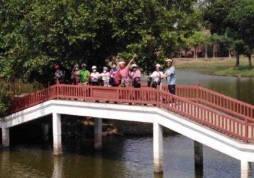 Group on a bridge in Ayutthaya