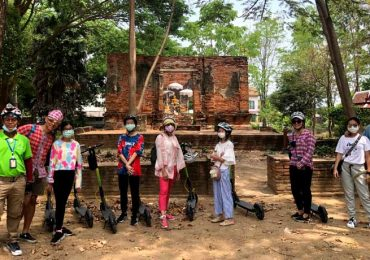 Go on a scooter tour of Ayutthaya