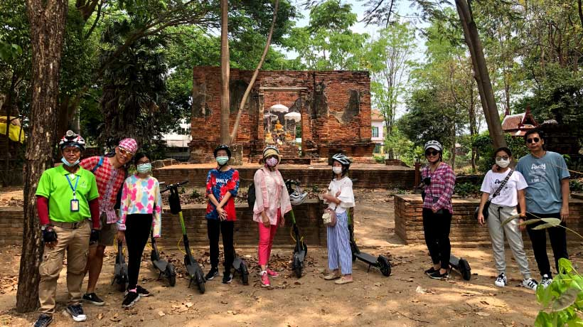 Old_temple_in-Ayutthaya_Scoody