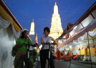Wat Arun Night Scooter Tour